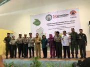 Gubernur Kalimantan Barat, Cornelis MH berfoto bersama jajaran pemerintah dan GAR/ PT SMART